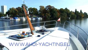 sundeck up to 15 guests